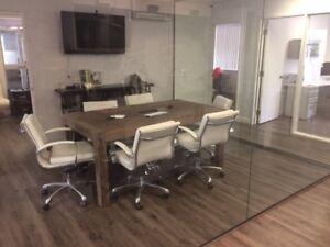 Table de conférence, chaises et console