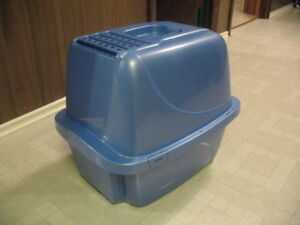 Covered litter box AND  Portable pet carrier