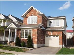 Beautiful 2-Storey Home for Commuters