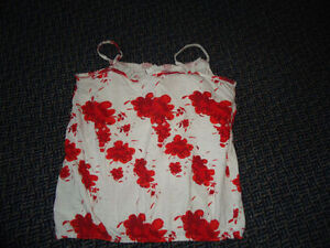 Ladies Size Large Tank Top with Built-in Underwire Bra Kingston Kingston Area image 2