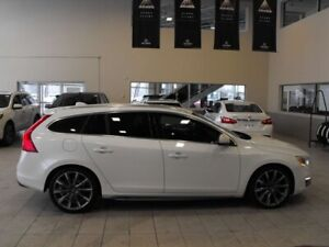 2015 Volvo V60 T5 Premier Plus AWD Back Up Cam Heated Leather