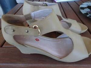 BONE/NUDE COLOURED STRAPPY SANDALS WITH WEDGE SIZE 10 Manly West Brisbane South East Preview