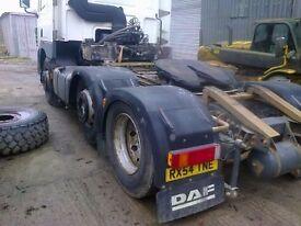 Daf cf85/430 6x2 tractor unit mid lift steer.