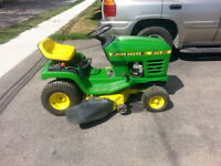 John Deere STX38 Riding Lawn Mower