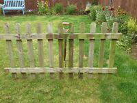 Free Wooden Garden Picket Fencing