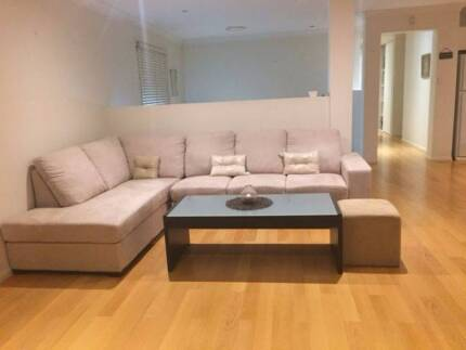 Spacious Room in HENDRA for rent (Female only)