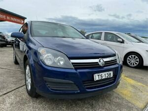 2006 Holden Astra AH MY06 CD Equipe Blue 4 Speed Automatic Hatchback