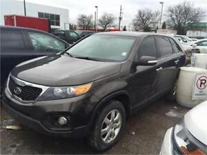 2011 KIA SORENTO **6 SPEED ** VERY RARE ** NEEDS ENGINE **