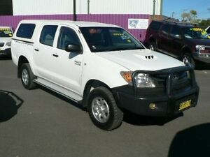 2006 Toyota Hilux KUN26R 06 Upgrade SR (4x4) White 5 Speed Manual Dual Cab Pick-up Dubbo Dubbo Area Preview