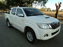 2015 Toyota Hilux KUN26R MY14 SR5 (4x4) White 5 Speed Automatic Dual Cab Pick-up Pearsall Wanneroo Area Preview