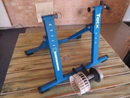 Bike stand trainer Cycle Track Tacx $50 ono Good Cond