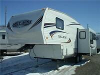 2011 SALEM 246RLS 5th Wheel *1/2 Ton Towable* $19,900 *Like NEW*
