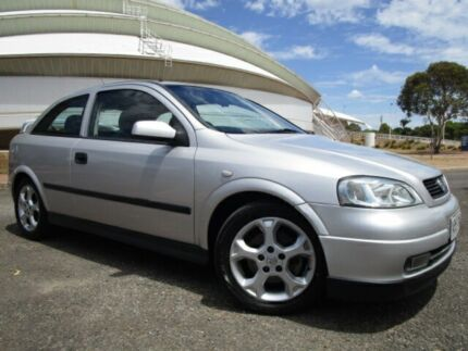 Holden astra 2004 automatic cars vans utes gumtree australia 2004 holden astra ts sri silver lightning 4 speed automatic hatchback fandeluxe Gallery