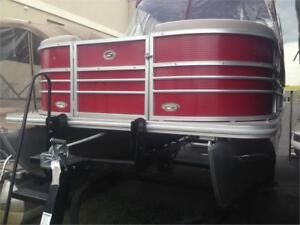 StarCraft 21ft Pontoon 115HP 4-Stroke Yamaha Trailer