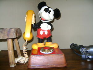 VINTAGE MICKEY MOUSE ROTARY PHONE