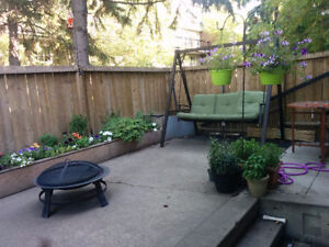 Room for Rent, West End, near Bus Route and River Valley Edmonton Edmonton Area image 4