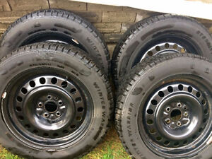 Like New Winter Snow Tire Set With Rims Infiniti QX50 or EX35 Kawartha Lakes Peterborough Area image 1