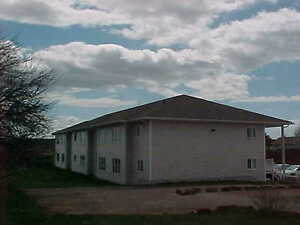 nice clean 2 bedroom apt.Sackville NB Family rental May