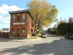 Hamilton LARGE FORMER WAREHOUSE AT PRIME LOCATION for rent