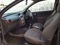 Corsa c sxi 2004 CD player with code works perfect 100% 07594145438