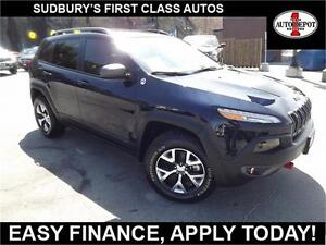 2016 Jeep Cherokee TRAILHAWK!! HEATED LEATHER SEATS AND STEERING
