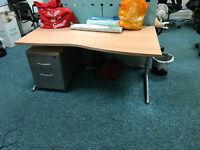 1600mm wave desks