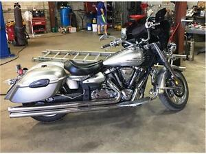 Very Clean 2007 Yamaha Roadliner 1900 with lots of extras!