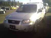 2005 FORD ESCAPE 4X4 LIMITED  INSPECTED 145000 KM