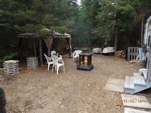 roulotte sur un emplacement de camping au Lac Lavigne