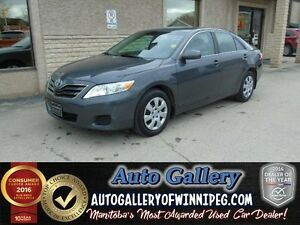 2011 Toyota Camry LE *Low kms!