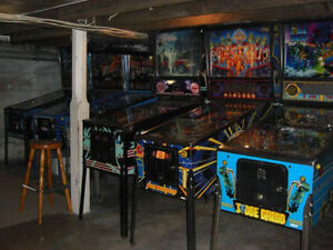 Looking for a pinball machine London Ontario image 1