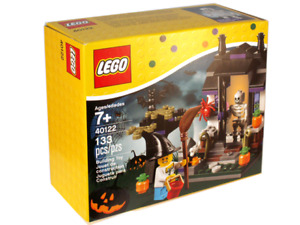 Retired Lego 40122: Trick or Treat Halloween Set