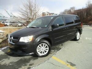 2014 Dodge Grand Caravan SXT (CLEAN CARFAX, FACTORY DVD, REVERSE