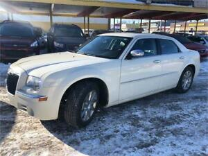 2010 Chrysler 300 Limited fully loaded leather heated seats