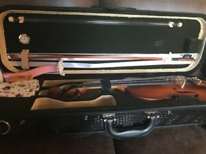 Selling brand new violin