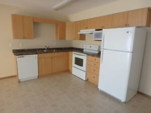 #1554 - 2 Bed/1 Bath Suite in Royal Oaks Manor Avail. Oct 1st!