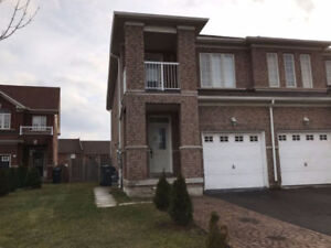 !Three Bedroom upper level house for Rent (Gore Rd & Cottrelle)!