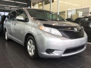 2016 Toyota Sienna REAR VIEW CAMERA, ACCIDENT FREE