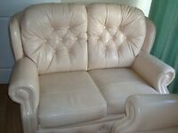 Stunning 2 Seater& 1 arm chair leather sofa set