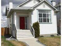 Immaculate Home for Sale in Cumberland area!