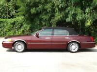 Miniature 4 Voiture American used Lincoln Town Car 2000
