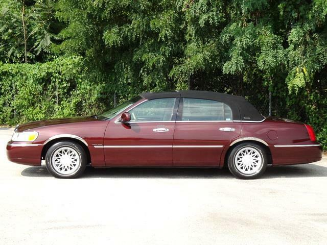 Image 4 Voiture American used Lincoln Town Car 2000