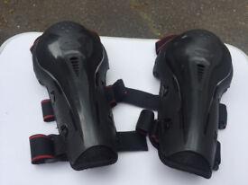 Motorbike knee pads