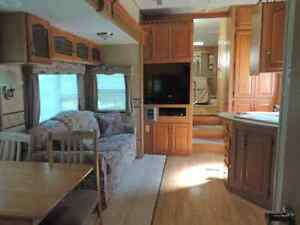 31.5ft sandpiper 5th wheel trailer Belleville Belleville Area image 2
