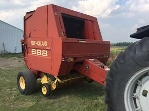 New Holland 688 Round Baler,twine
