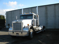 2004 Freightliner Classic DayCab