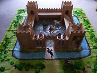 Child's Wooden Castle/Fort with Opening Drawbridge includes Playmat 12 figures