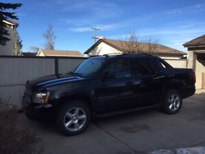 2008 Chevrolet Avalanche LT Pickup Truck - Price reduced!