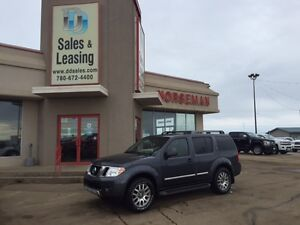 2012 Nissan Pathfinder LE Silver DVD/Leather/Sunroof $19987
