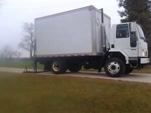 Cube truck, low kms, safetied, power liftgate